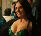 Alison Brie in How to Be Single