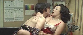 Jennifer Tilly nude in Hollywood North