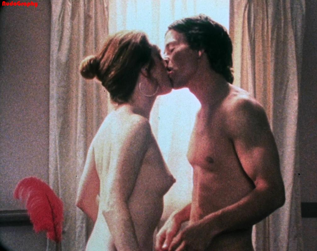 Lesbian scene from julianne moore and amanda seyfried 6