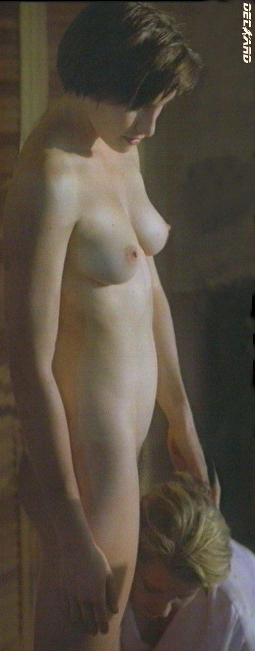 голая claudia karvan