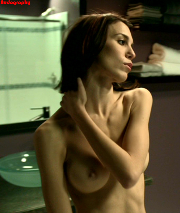Disney star Christy Carlson Romano nude in Mirrors 2 - picture ...
