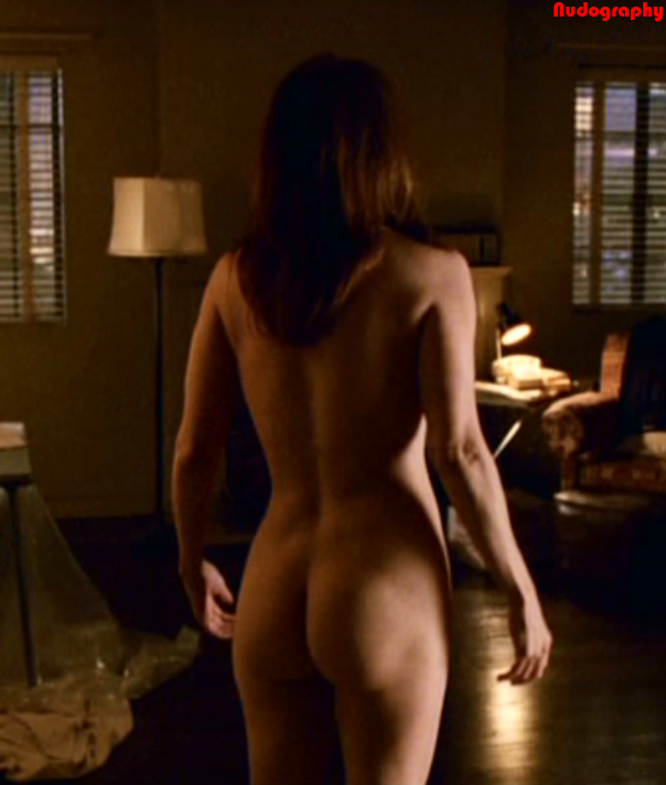Mary louise parker shows tits