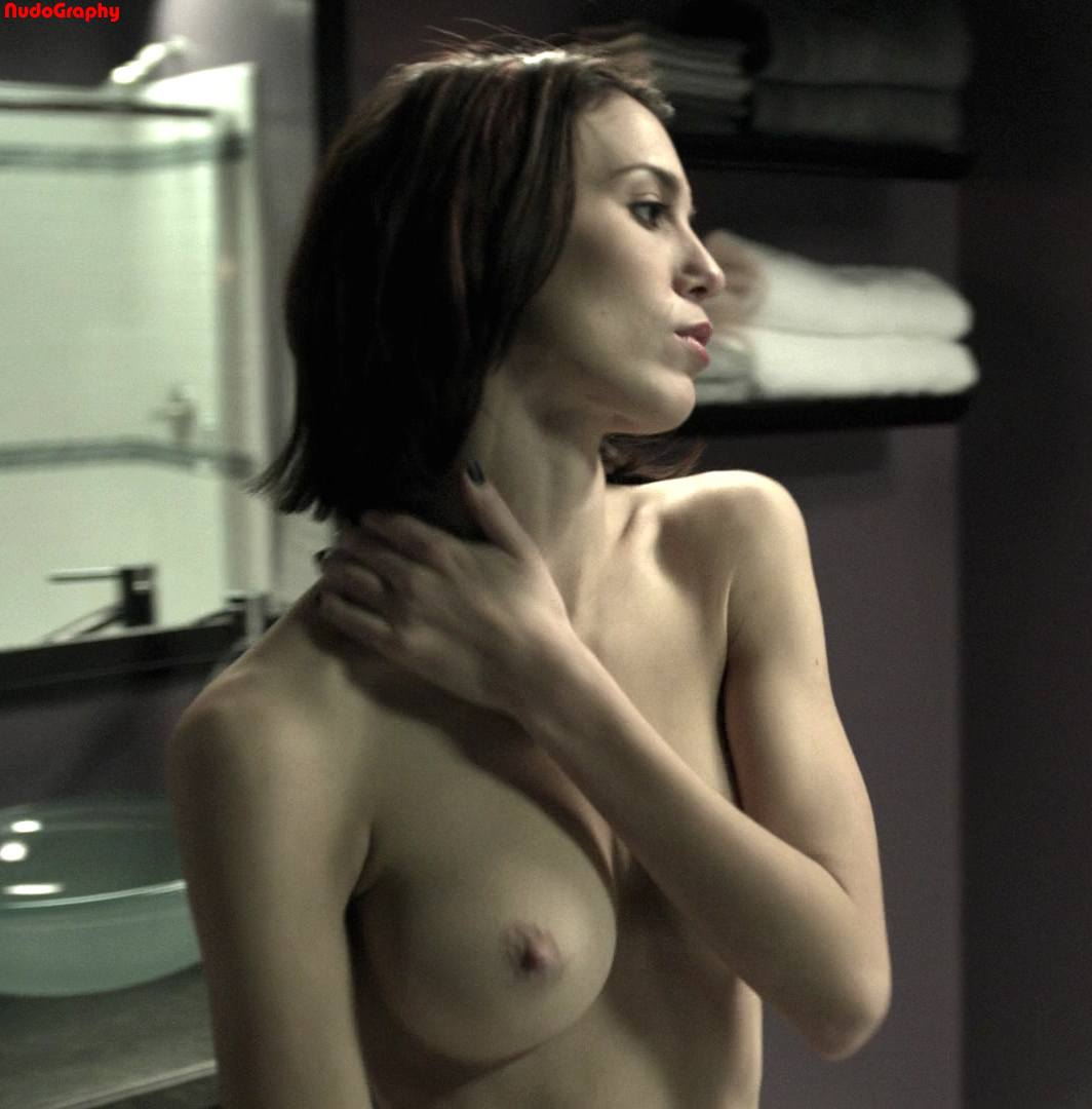 Nude Celebs in HD - Christy Carlson Romano - picture ...
