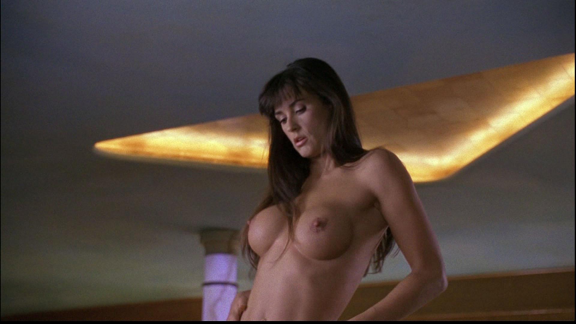 striptiz-i-erotika-v-hd-kachestve