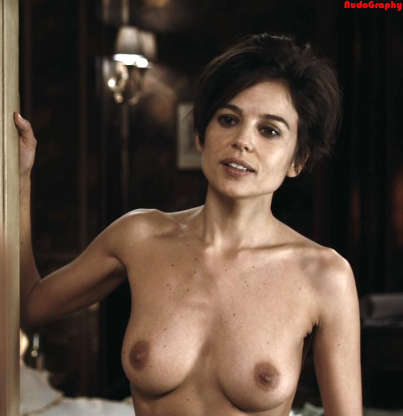 Amanda peet nude boobs in togetherness scandalplanetcom 10