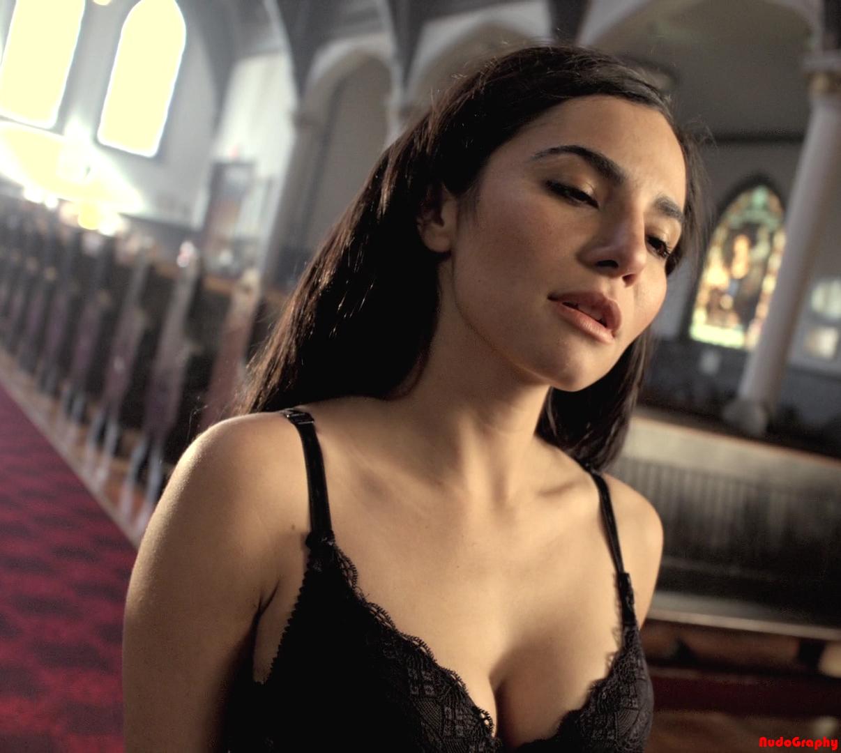 Fiona Vroom Naked martha higareda altered carbon hot -
