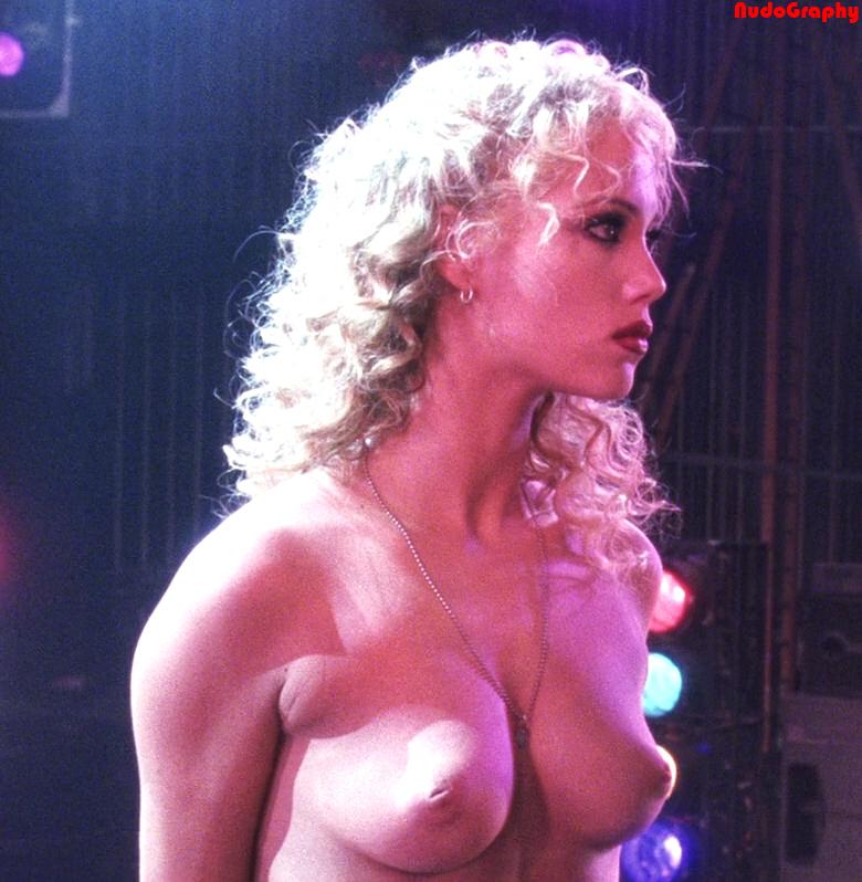Elizabeth Berkley Showgirls Lapdance