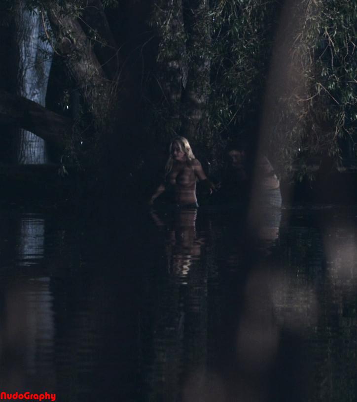simmons naked Chelan