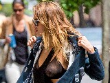 800x600, 164 KB, jessica-alba-see-through-bra-in-nyc-10.jpg
