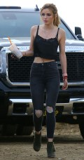 629x768, 63 KB, Bella_Thorne__sexy_on_the_set_of_a_project_in_Los_Angeles_-01.jpg
