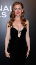 673x768, 57 KB, Isla_Fisher_clevage_at_Nocturnal_Animals_screening-01.jpg