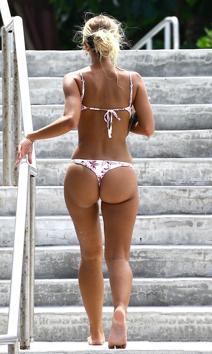 celeb pic Bikini
