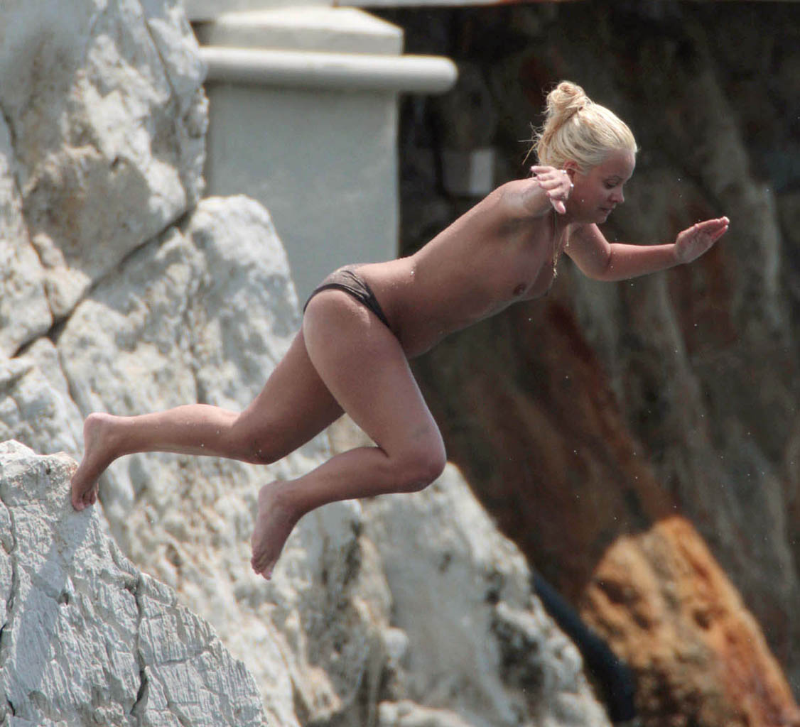 cliff jumping nude