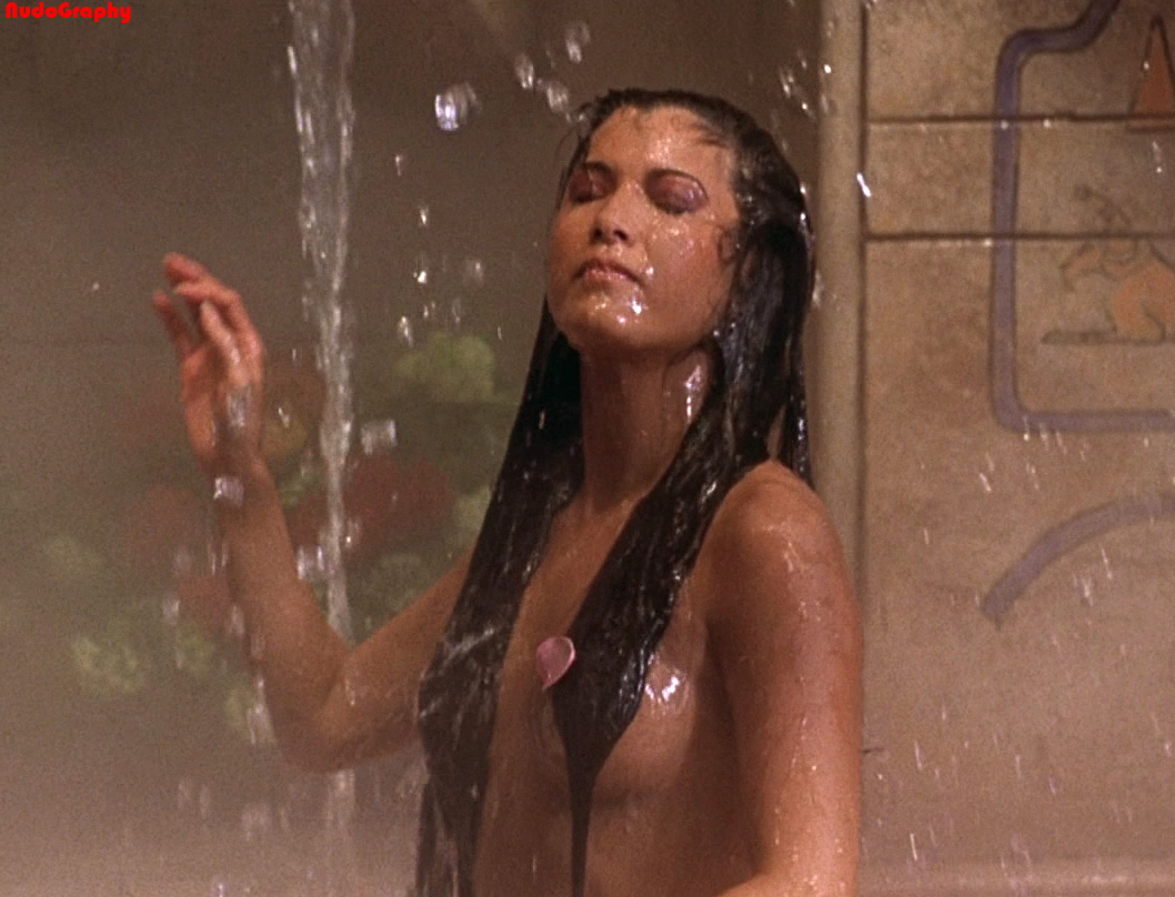 Kelly hu nude pictures — pic 3