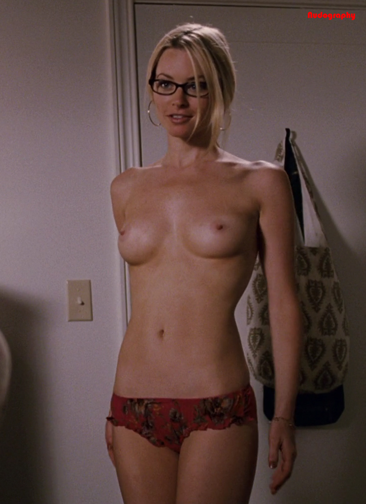 Carly craig naked in role models — pic 9