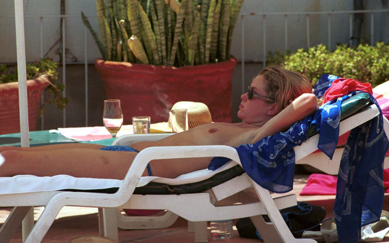 Amanda Holden Topless amanda holden topless - picture - 2009_4/original/amanda