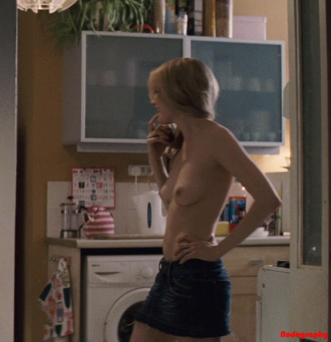 Nude Pictures Of Michelle Williams