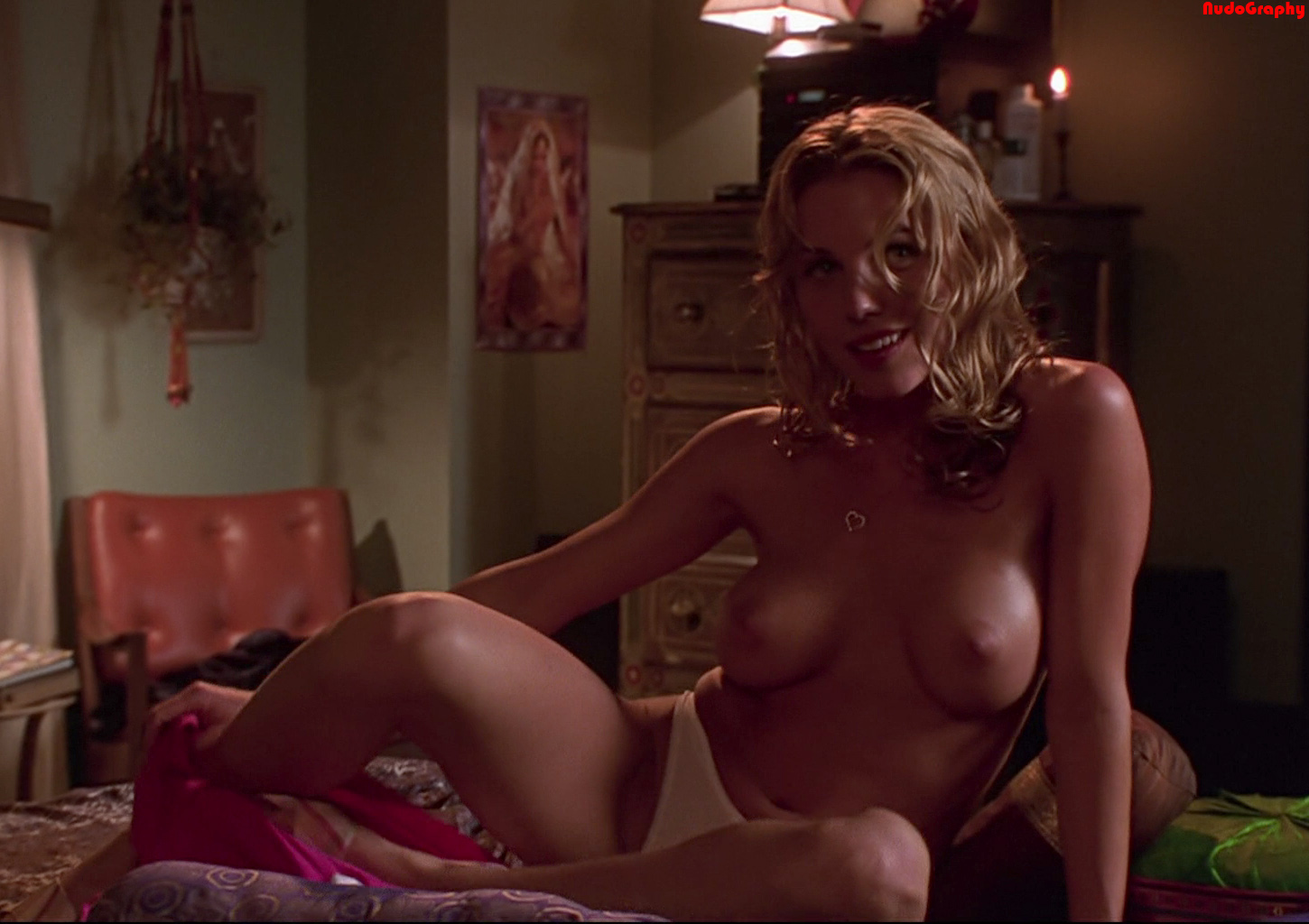 test-gif-holly-davidson-sex-scene