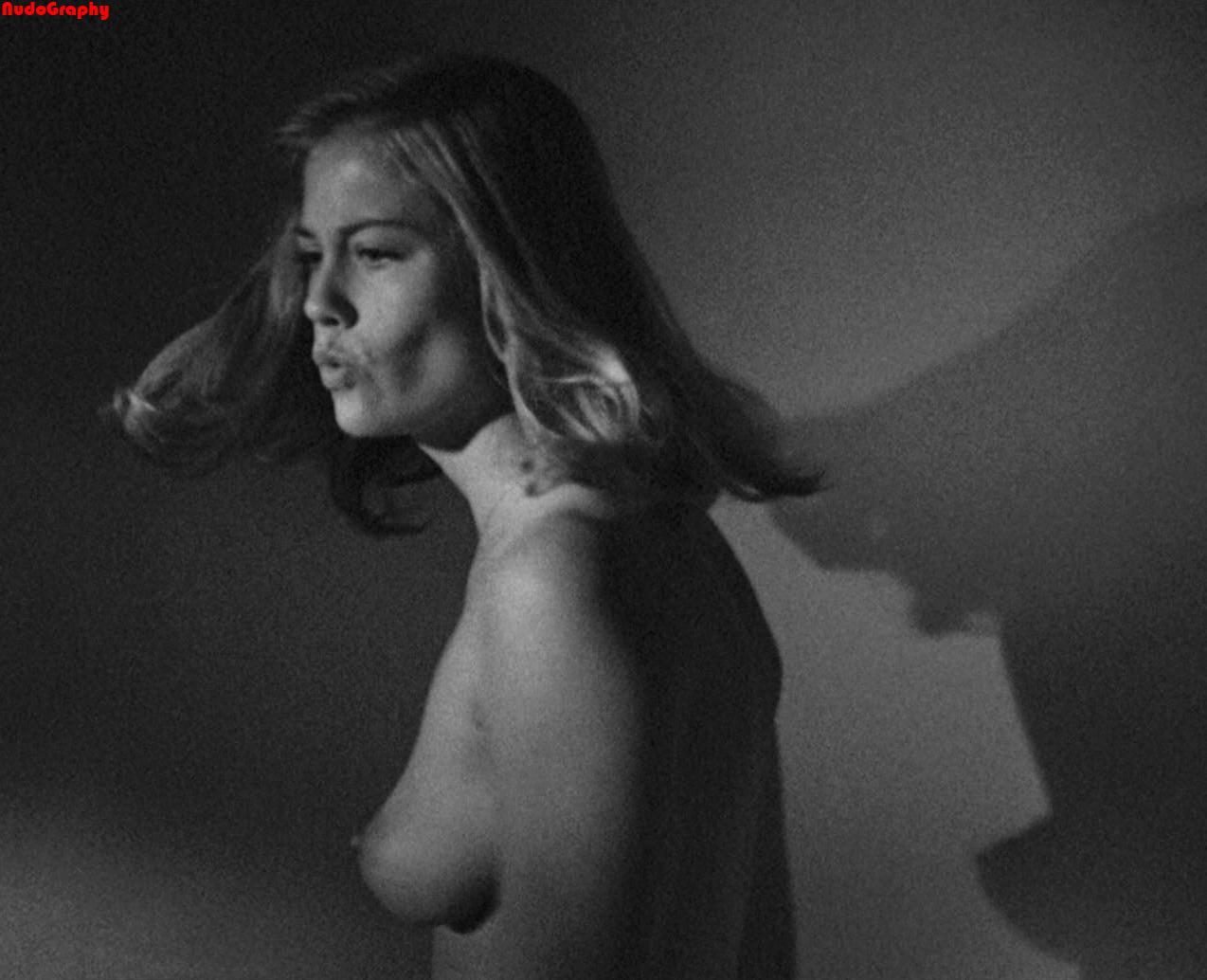 Hot blonde nude