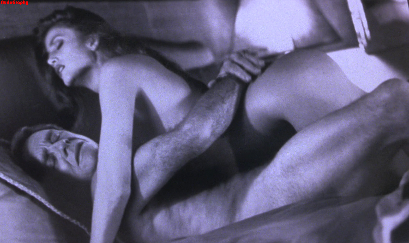 angie-everhart-sex-video