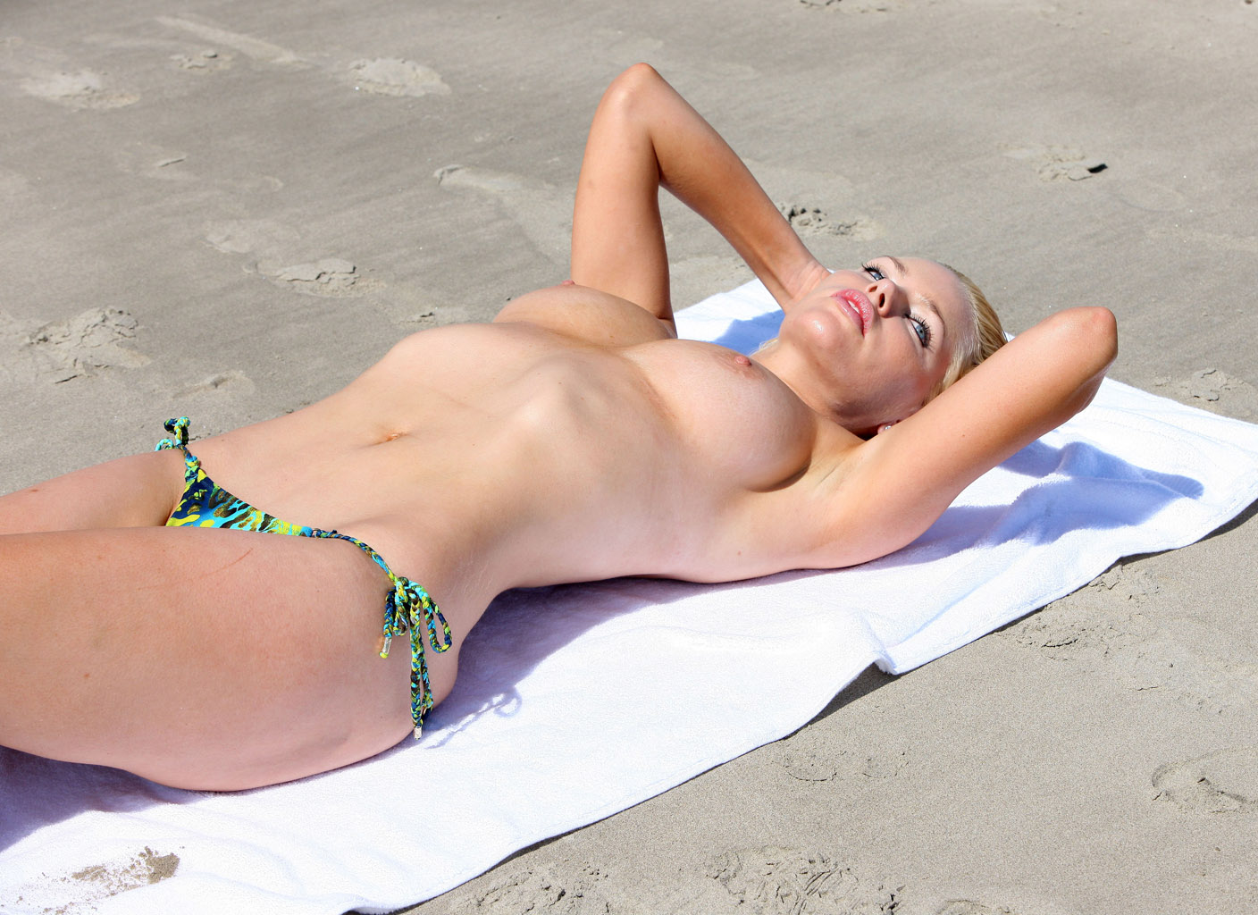 Sophie monk pussy 15
