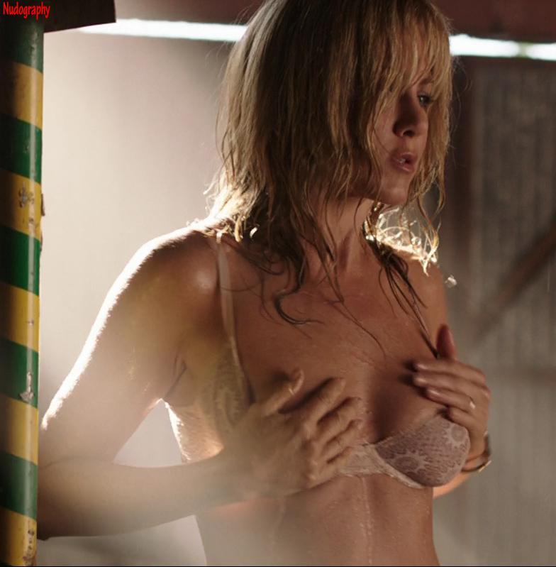 Jennifer aniston full topless