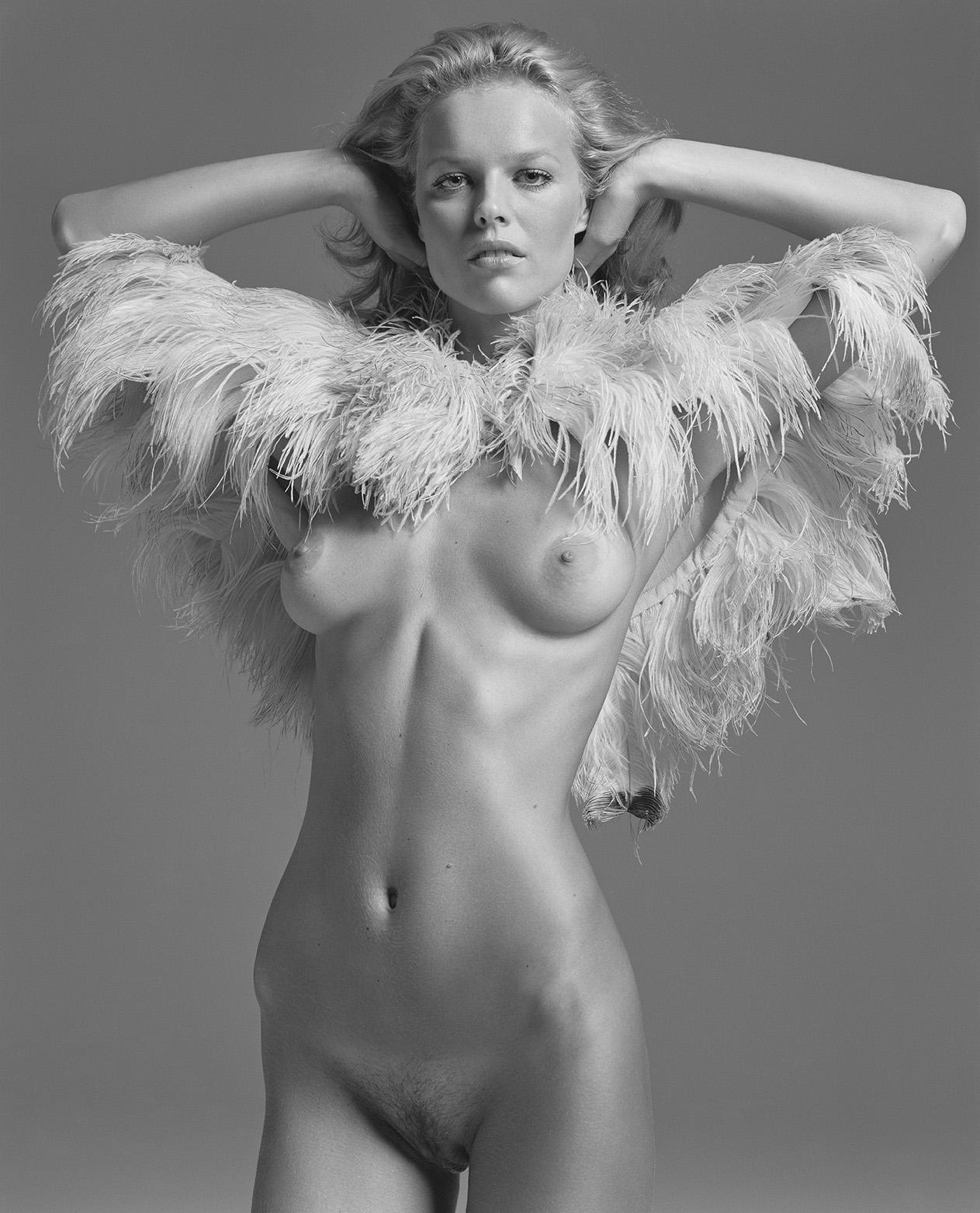 naked-eva-herzigova-nude-pussy-nude