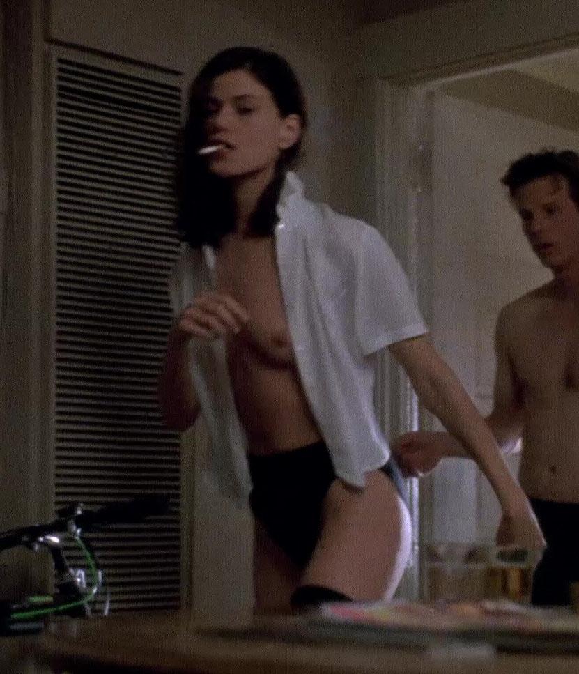 Linda fiorentino naked pics